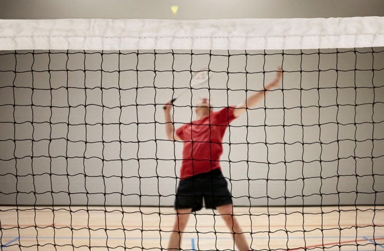 Badminton nets with side straps
