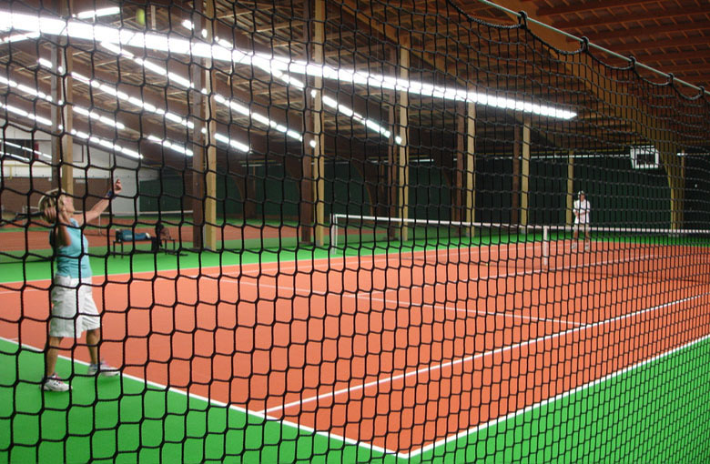 Knotless ball stop nets