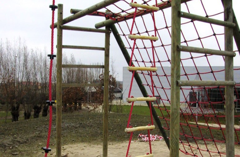 Hercules climbing ropes and rope ladders