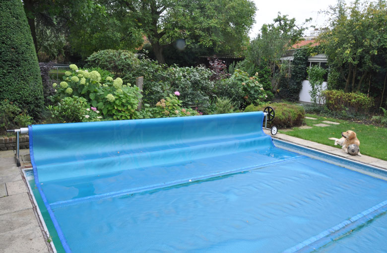 Swimming pool bubble covers